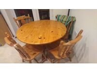 Wood- pine cottage round table and 4 chairs
