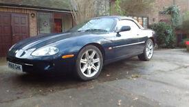 Jaguar XK8 Midnight Blue convertable