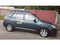 Kia carens 2009 diesel automatic knowsley private hire taxi cab and plate 6 passenger long plate