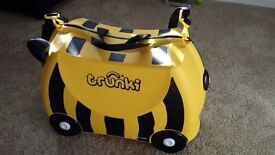 BUMBLE BEE TRUNKI - PERFECT CONDITION
