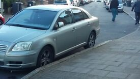 Reliable Toyota Avensis Automatic Silver