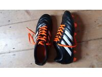 Football boots size 8 almost never used