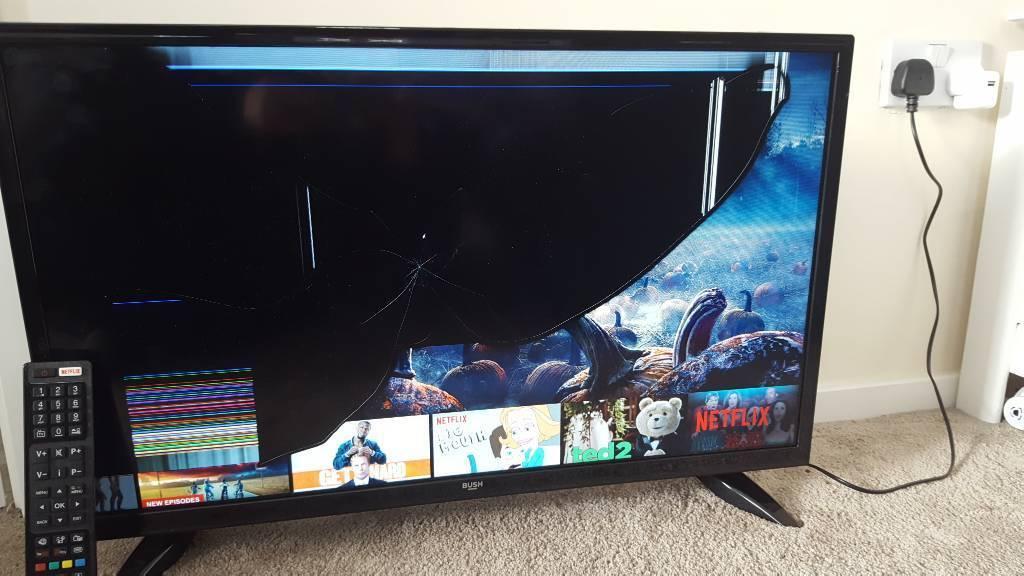32inch BUSH Smart tv. BROKEN