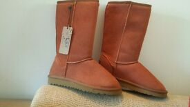 size 5 ugg boots, new