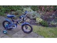 Boys starter bicycle with stablisers