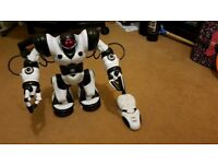 Robosapien toy robot with remote 2 available