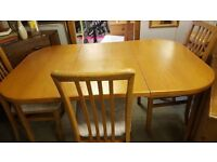 Beautiful Vintage Beaver & Tapley Extendable Dining Table & 4 Chairs In Excellent Condition