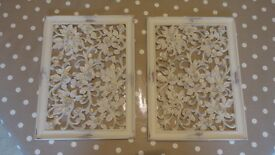 A PAIR OF WALL PLAQUES. DISTRESSED EFFECT. SHABBY CHIC. NEW.