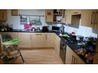 Double bedroom available in a 3 bed spacious flat next to beach.