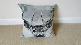 Stagg cushion