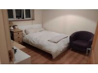 Double bedroom available in a furnished, good sized apartment in Summertown (2.2 miles from center).