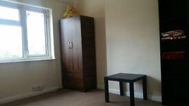 Master Bedroom for Rent in Clean Shared House near Dagenham Heathway Station, RM10