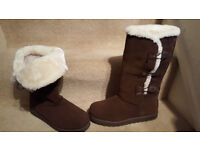 Skechers Suede Boot with Faux Fur Trim & Memory Foam UK 5.5 NEW