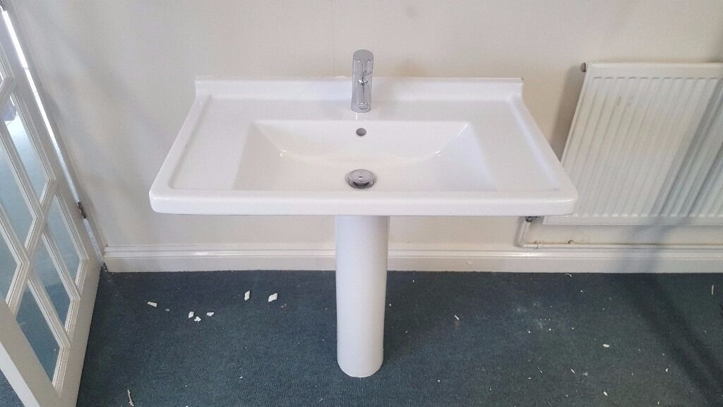 Luxury Duravit Bathroom Sink Basin With Hansgrohe Mixer Tap White