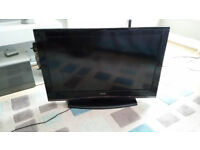 "Celcus LCD329032 32"" Full HD 1080p LCD 3D TV with loads of glasses"