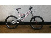 Specialised Status 2 FSR Downhill Mountain Bike - Perfect Condition - Size Large