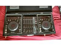 Pioneer CDJ 1000 mk3 pair + behringer mixer + flight case