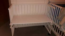 Baby crib/beside the bed REDUCED PRICE 15!!!