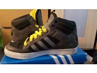 ** Adidas Hard Court Hi Worn Three Times ** size 9 1/2