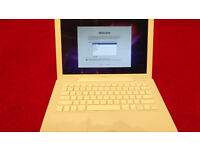 "Apple Mac Book 13"""