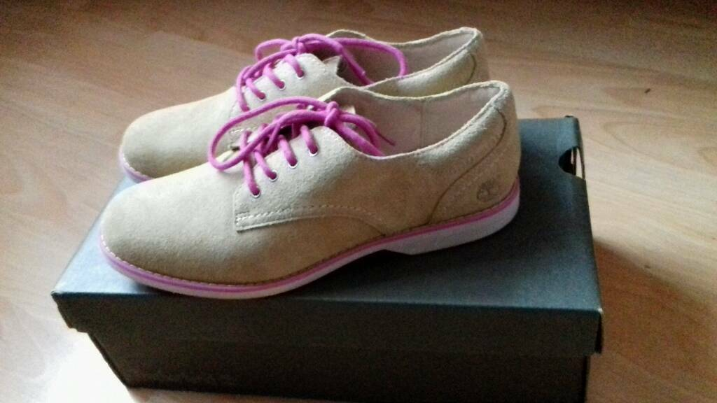 Ladies timberland shoes size 4.5