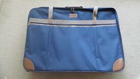 """NAVY BLUE LIGHTWEIGHT MARCO ENRICO SUITCASE 32"""" W X 22.5"""" H X 8"""" D - USED GOOD CONDITION"""
