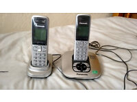 Set of 2 panasonic cordless phones