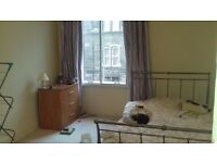 Spacous room for rent in Leith