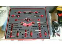 Threading set