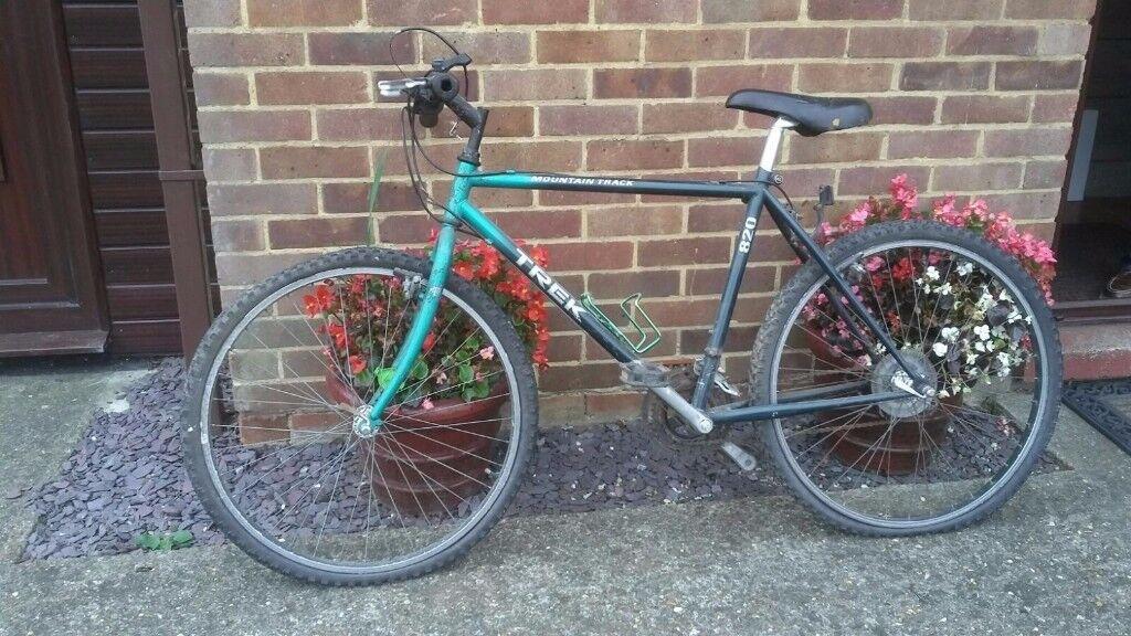 TREK 820 Mountain Bike...1990's...20inch Frame...Retro Classic.
