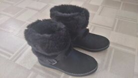 BRAND NEW LADIES BRUSHED LEATHER SIZE 3 BOOTS
