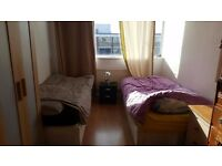 Twin room to rent in big flat