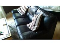 large 3 seater black leather setee in great condition
