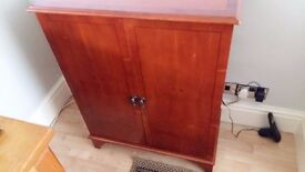 CD/DVD CABINET MAHOGANY LOVELY CONDITION*REDUCED NOW ONLY £20*