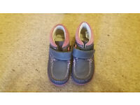Girls shoes clarks size 9 F new without tags