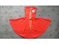 sleevless red dress