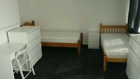 Looking for a guy to share this room with. Close to Elephant and Castle