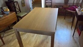 Kitchen Table 120x75cm. Very good condition.