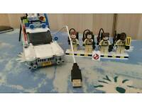 Lego ghostbusters ecto 1 (custom with lights!)