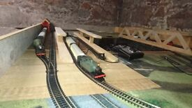 Hornby train sets with extra track