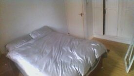 SHORT TERM-double room for 1-2 weeks in Chiswick (zone 2) bills inc 5mins to tube