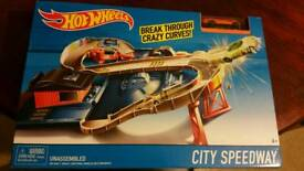 Hot Wheels City Speedway Playset