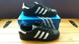 Adidas superstar trainers size 8,5