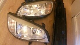 vauxhall zafira head lights off a 04reg