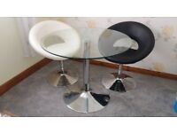 Round Glass Dining Table with 2 Chairs ( LIKE NEW CONDITION).