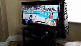 "40"" PANASONIC HD TV INCL TABLE"