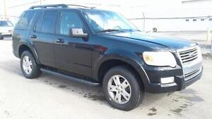 ***2009 FORD EXPLORER 4X4***LOW KM***