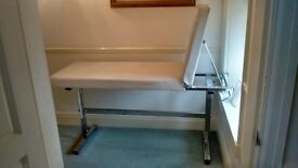 IMMACULATE MASSAGE COUCH FOR QUICK SALE
