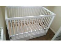 Used Mokee mini cot