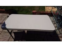 Foldable garden table 122 cm x 60 cm x 73 cm